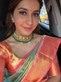 Actress RAASHI KHANNA latest stills (3)