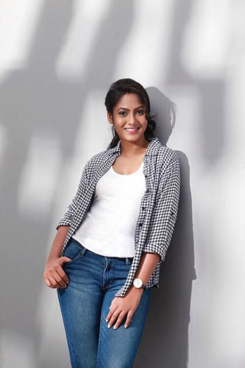 Actress-Shruti-Reddy-New-Photos-20