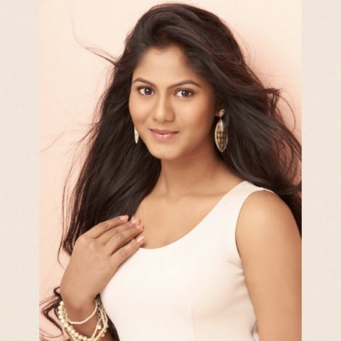 Actress-Shruti-Reddy-New-Photos-21