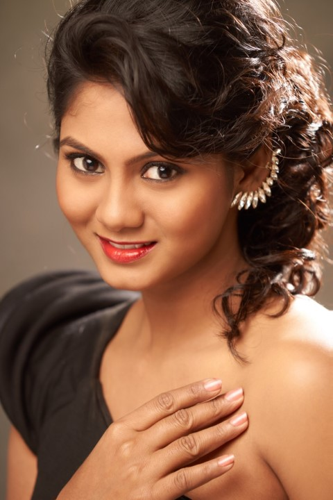 Actress-Shruti-Reddy-New-Photos-22