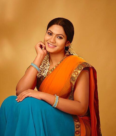 Actress-Shruti-Reddy-New-Photos-23