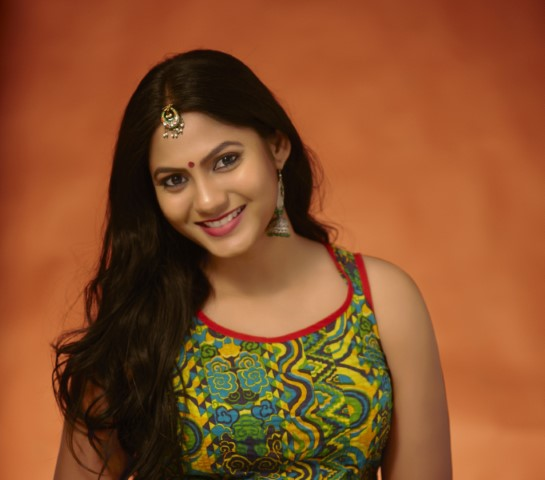 Actress-Shruti-Reddy-New-Photos-26