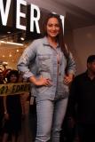 Sonakshi Sinha (8)
