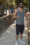 Karan Kapadia spotted outside his gym in Juhu (3)