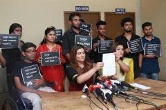 Protest-against-Iruttu-Araiyil-Murattu-Kuthu (6)