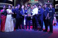 Award Category - Hero of Chennai 2018 - - N. Khaalid Ahamed from Uravugal Trust receiving the award with this entire team
