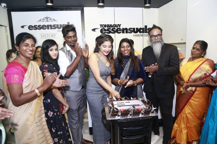Toni & Guy Essensuals launch Perumbakkam (19)